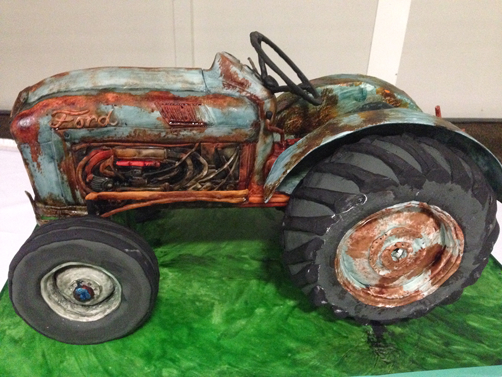 Antique Tractor 3-D Grooms Cake