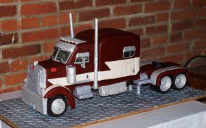 3D Peterbilt Semi-Truck Cake