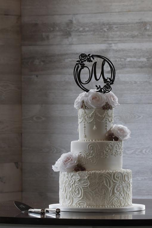 Buttercream & Roses Wedding Cake