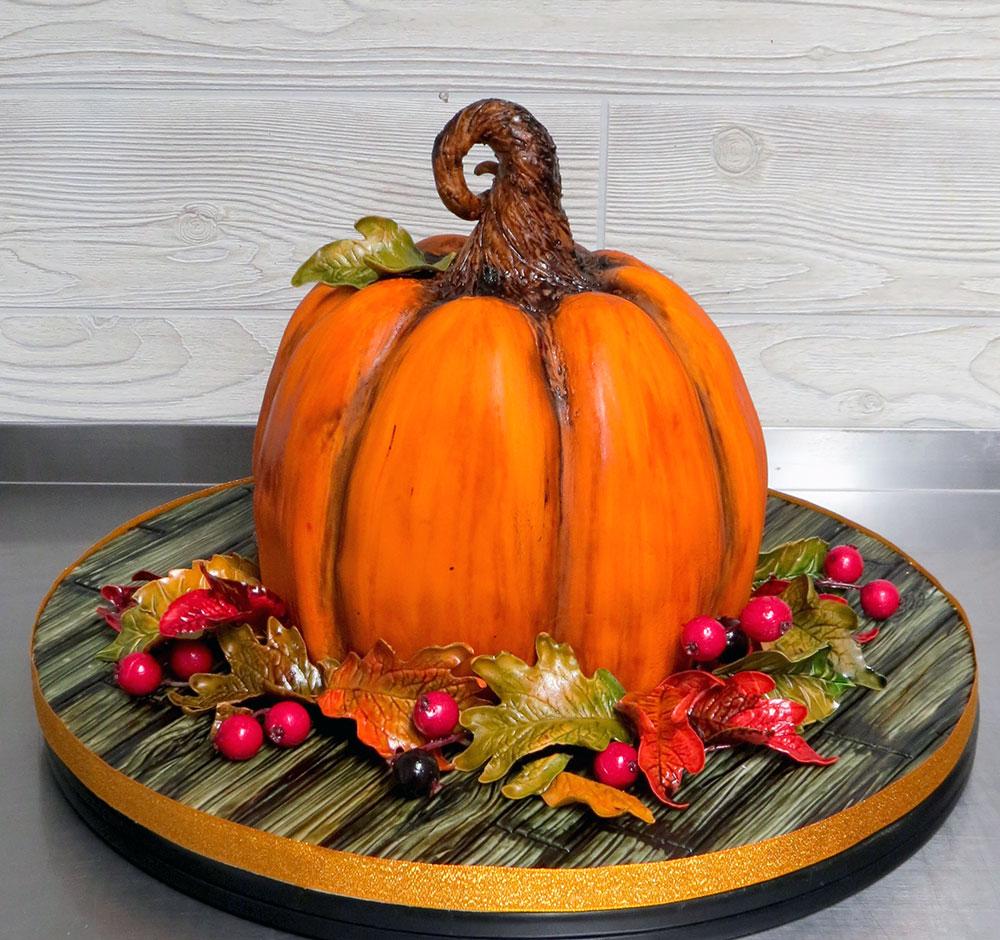 3-D Pumpkin Cake