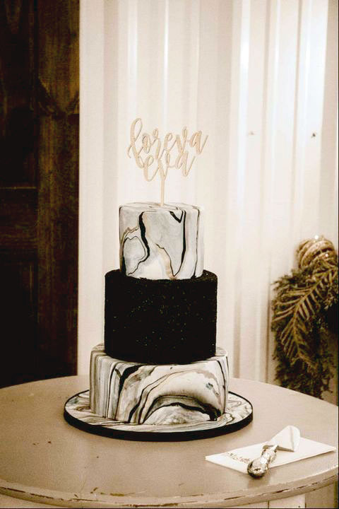 Black & Gold Marble Glitter Wedding Cake